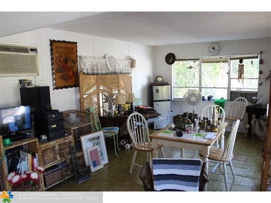 Single-Family Home - Other City - Keys/Islands/Caribbean, FL (photo 5)