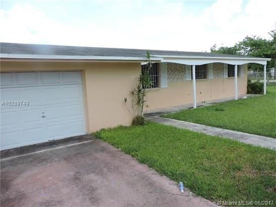 Single-Family Home - Florida City, FL (photo 2)