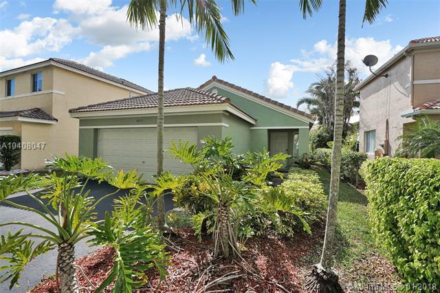 4077 Pine Ridge Ln, Weston, FL - USA (photo 2)