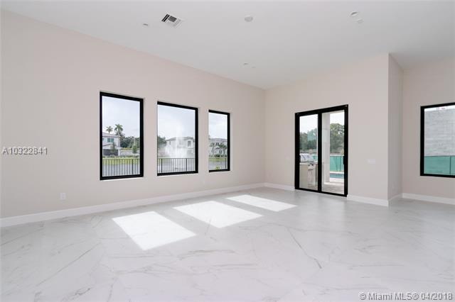5647 Brookfield Circle E, Hollywood, FL - USA (photo 3)