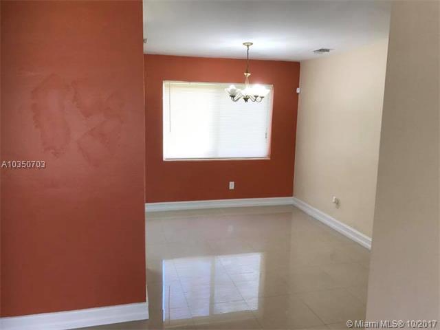 Single-Family Home - Hialeah, FL (photo 2)