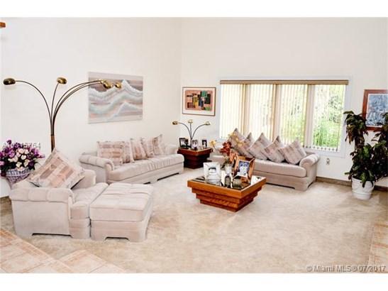 Single-Family Home - Miami Lakes, FL (photo 4)