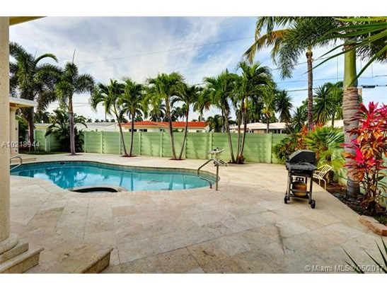 Single-Family Home - Hollywood, FL (photo 5)