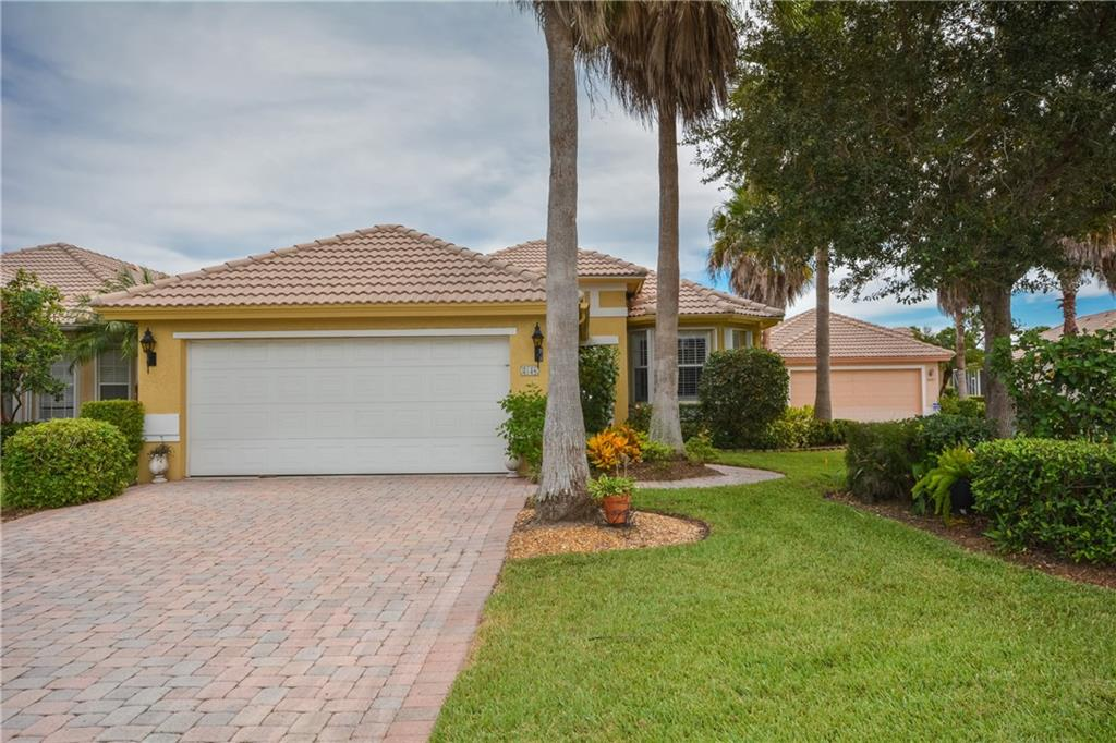 Single-Family Home - Jensen Beach, FL (photo 2)