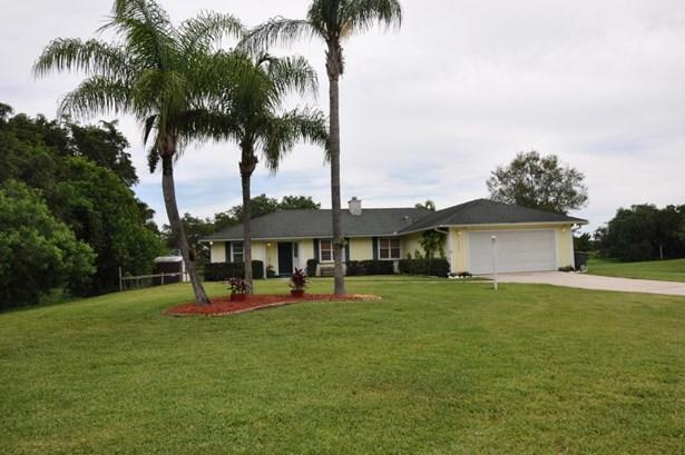 Single-Family Home - Fort Pierce, FL (photo 1)