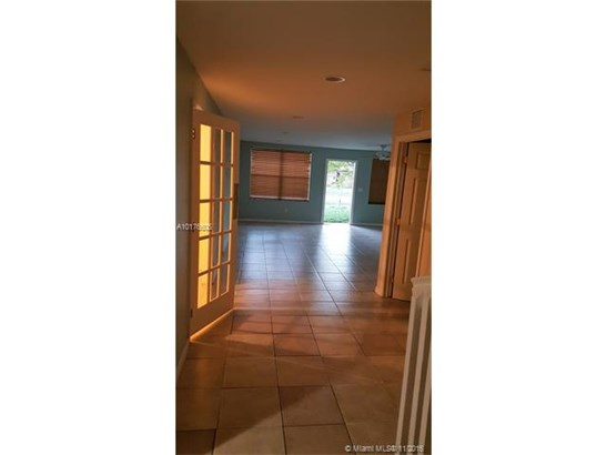 Single-Family Home - Deerfield Beach, FL (photo 4)
