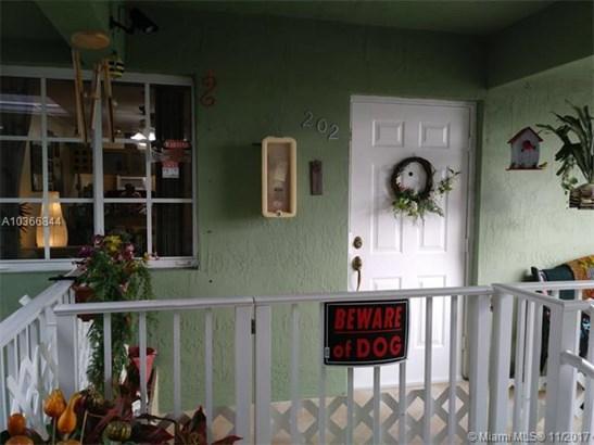 1152 W 27th St, Hialeah, FL - USA (photo 1)