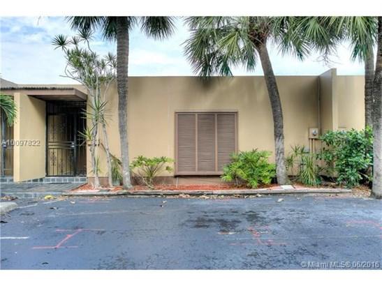 Condo/Townhouse - Miami Lakes, FL (photo 1)