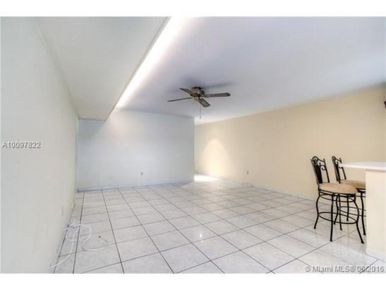 Condo/Townhouse - Miami Lakes, FL (photo 3)