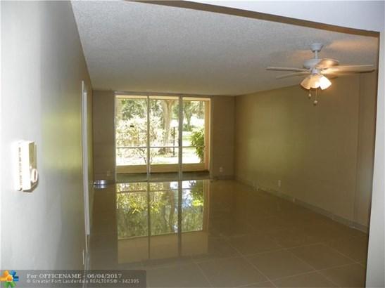 Rental - Lauderdale Lakes, FL (photo 4)