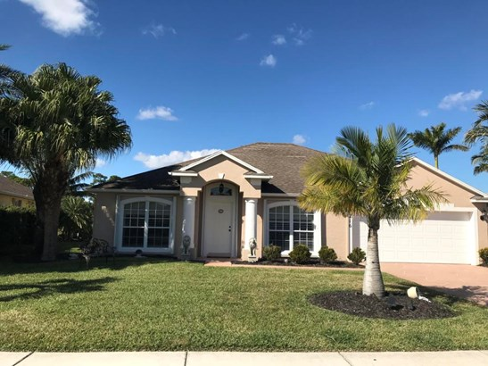 216 Sw Whitewood Drive, Port St. Lucie, FL - USA (photo 2)