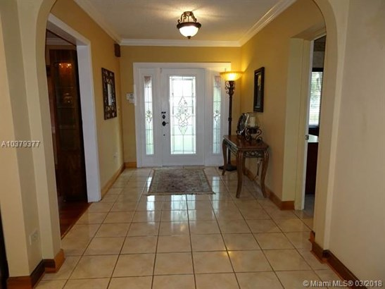 721 N Falcon Ave, Miami Springs, FL - USA (photo 2)
