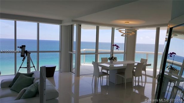 16425 Collins Ave  #1411, Sunny Isles Beach, FL - USA (photo 4)