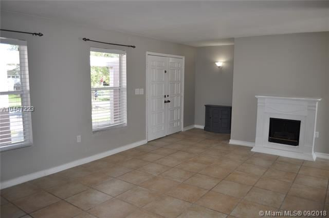 19472 Sw 87 Court, Cutler Bay, FL - USA (photo 4)