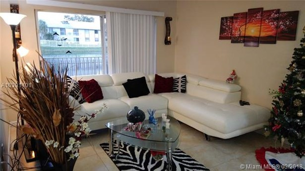 15231 Sw 80 St  #106, Miami, FL - USA (photo 2)