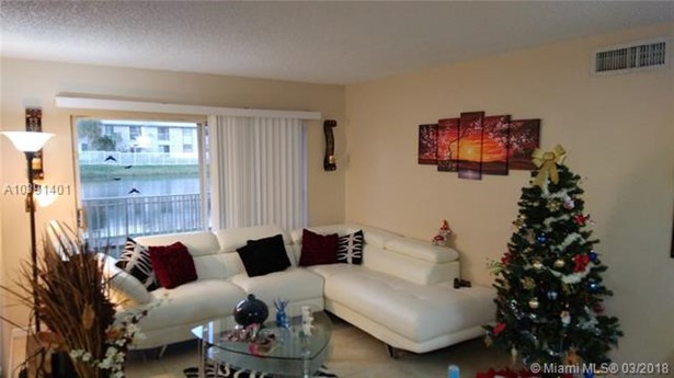 15231 Sw 80 St  #106, Miami, FL - USA (photo 3)