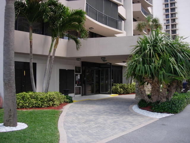 4200 N Ocean Drive Unit 2-1001, Riviera Beach, FL - USA (photo 4)