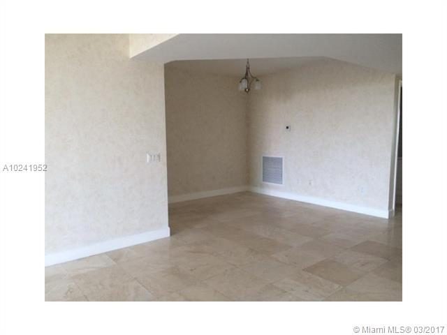 Condo/Townhouse - North Miami, FL (photo 4)