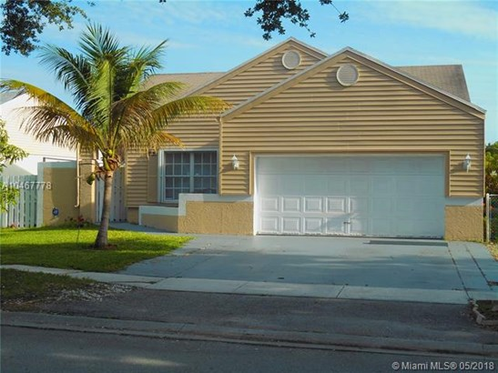 1040 Sw 85th Ter, Pembroke Pines, FL - USA (photo 1)