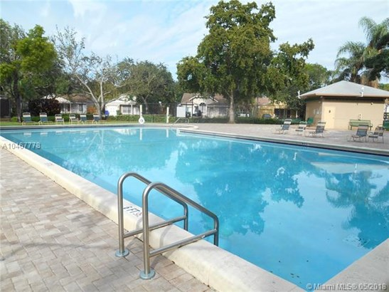 1040 Sw 85th Ter, Pembroke Pines, FL - USA (photo 3)