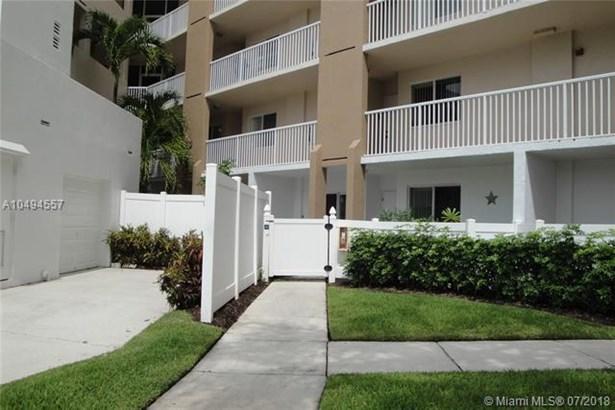 9563 Weldon Cir  #d110, Tamarac, FL - USA (photo 2)