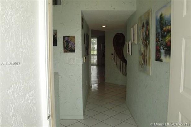 9563 Weldon Cir  #d110, Tamarac, FL - USA (photo 5)
