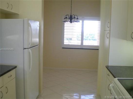 9575 Weldon Circle, Tamarac, FL - USA (photo 5)