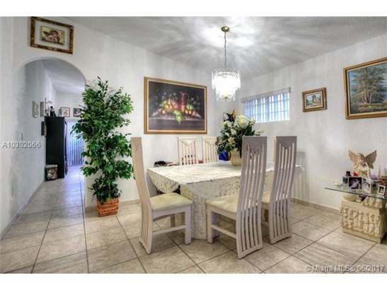 Single-Family Home - Miami Lakes, FL (photo 3)