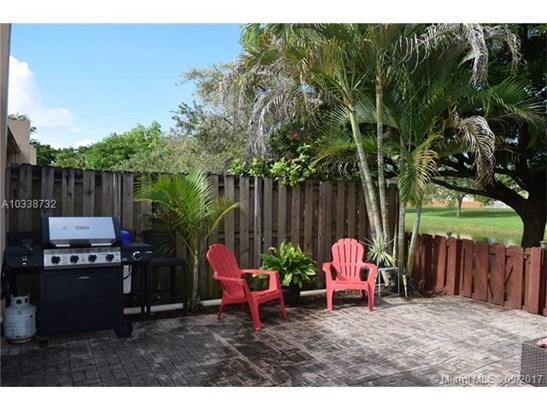 Condo/Townhouse - Miami, FL (photo 5)