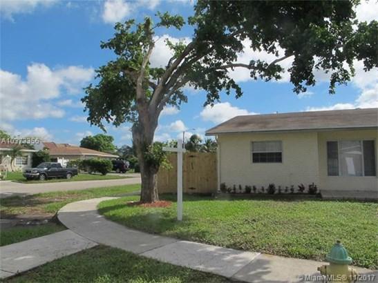 6502 Ne Baltrusol, North Lauderdale, FL - USA (photo 1)