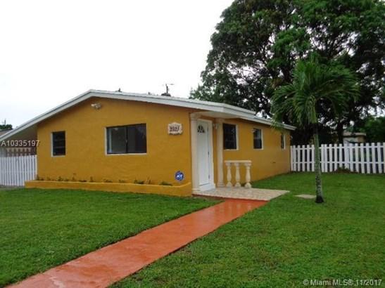 2921 Nw 157th St, Miami Gardens, FL - USA (photo 2)