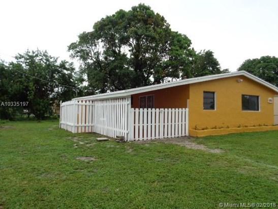 2921 Nw 157th St, Miami Gardens, FL - USA (photo 3)