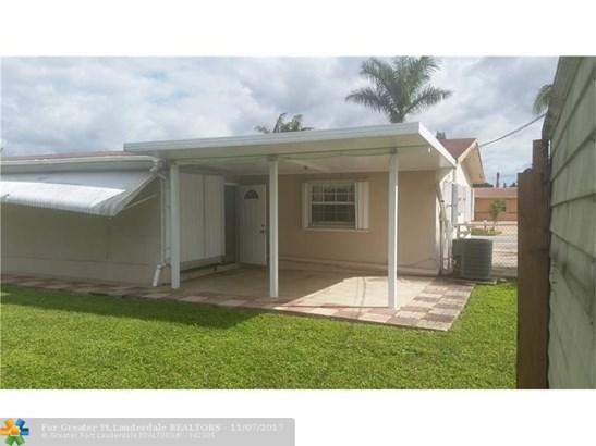 2671 Nw 87th Ln, Sunrise, FL - USA (photo 3)