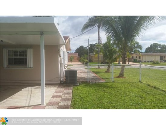 2671 Nw 87th Ln, Sunrise, FL - USA (photo 4)