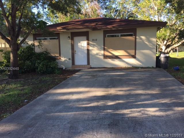 910 Sw 7th Pl, Florida City, FL - USA (photo 1)