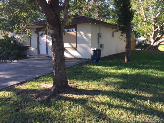 910 Sw 7th Pl, Florida City, FL - USA (photo 2)