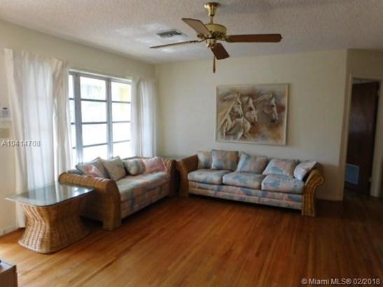 6825 Sw 10th St, Pembroke Pines, FL - USA (photo 2)