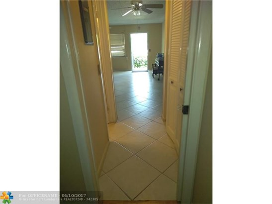 Condo/Townhouse - Deerfield Beach, FL (photo 5)