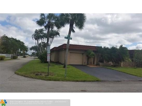 2300 Sw 81st Way #12, North Lauderdale, FL - USA (photo 5)