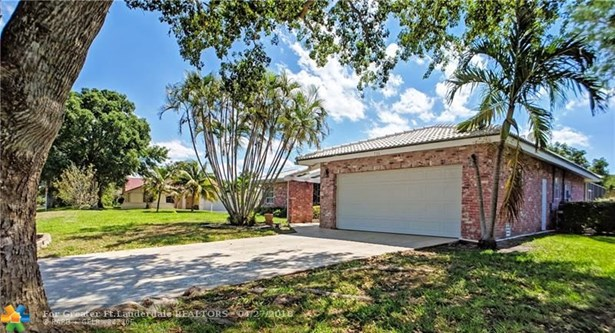 736 Ramblewood Dr, Coral Springs, FL - USA (photo 1)