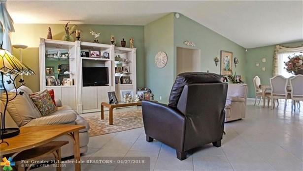 736 Ramblewood Dr, Coral Springs, FL - USA (photo 4)