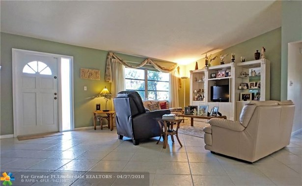 736 Ramblewood Dr, Coral Springs, FL - USA (photo 5)