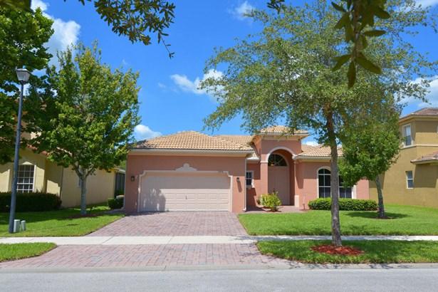 5715 Place Lake Drive, Fort Pierce, FL - USA (photo 1)
