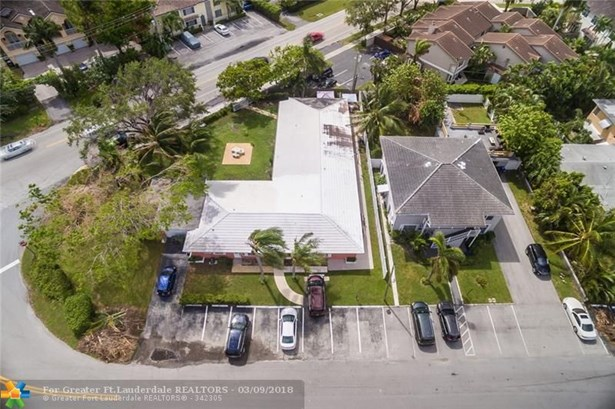 1311 Bayview Dr, Fort Lauderdale, FL - USA (photo 2)