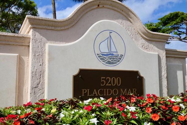 5200 N Flagler Drive Unit 402, West Palm Beach, FL - USA (photo 2)