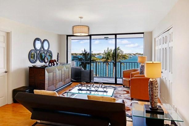 5200 N Flagler Drive Unit 402, West Palm Beach, FL - USA (photo 3)