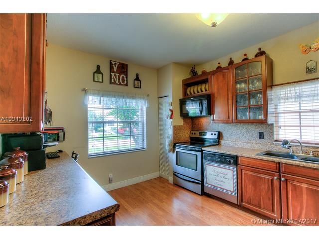 Single-Family Home - Pembroke Pines, FL (photo 5)