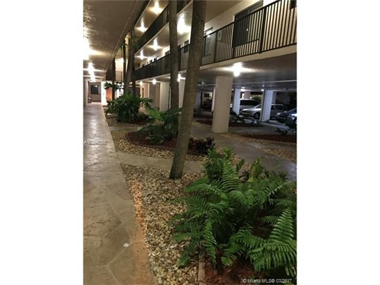 Rental - North Lauderdale, FL (photo 2)