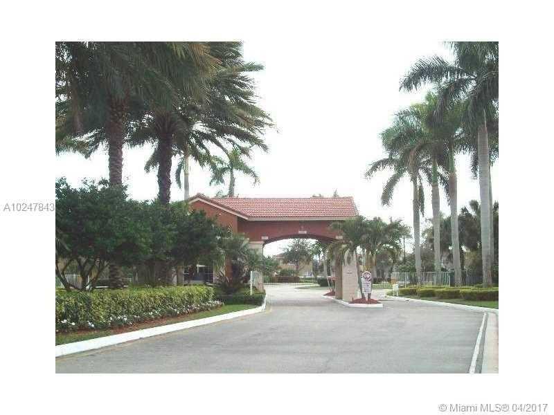 Single-Family Home - Hollywood, FL (photo 3)