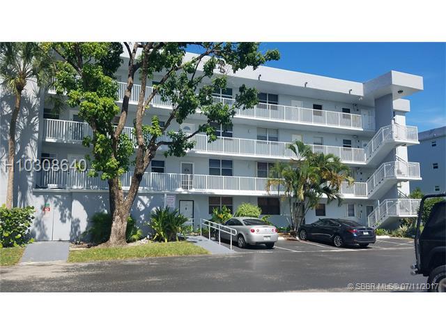 105 Royal Park Dr, Oakland Park, FL - USA (photo 2)
